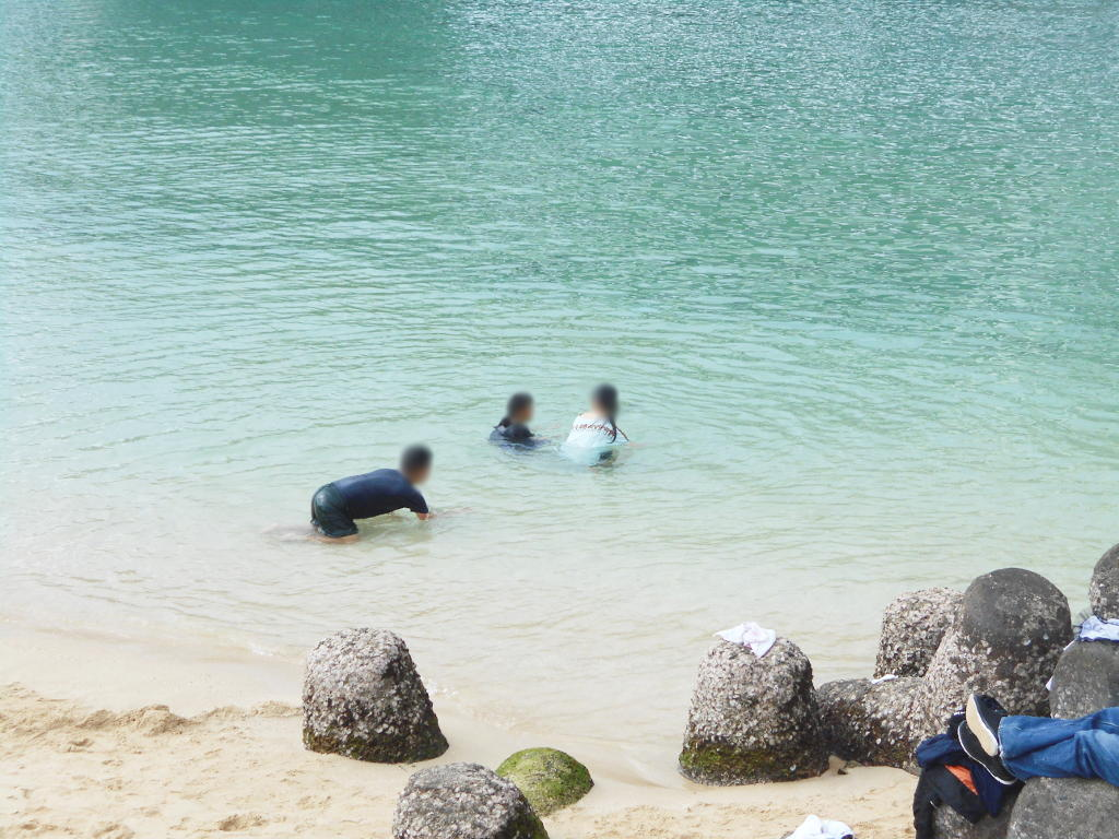 沖縄・那覇で年越し2018その14・波の上ビーチでオリオンビール-2418