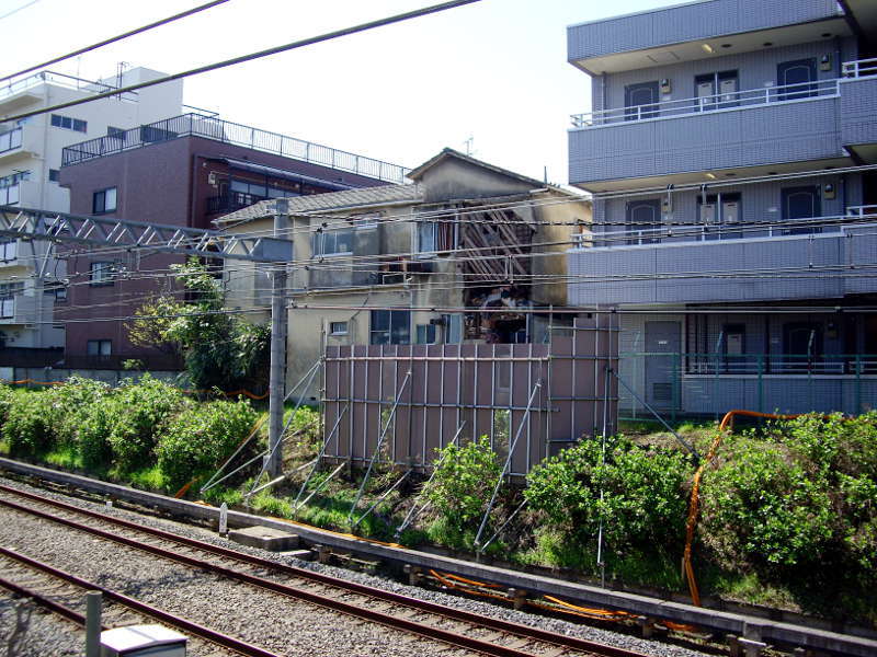新井薬師前・崩壊アパート2014春-2003