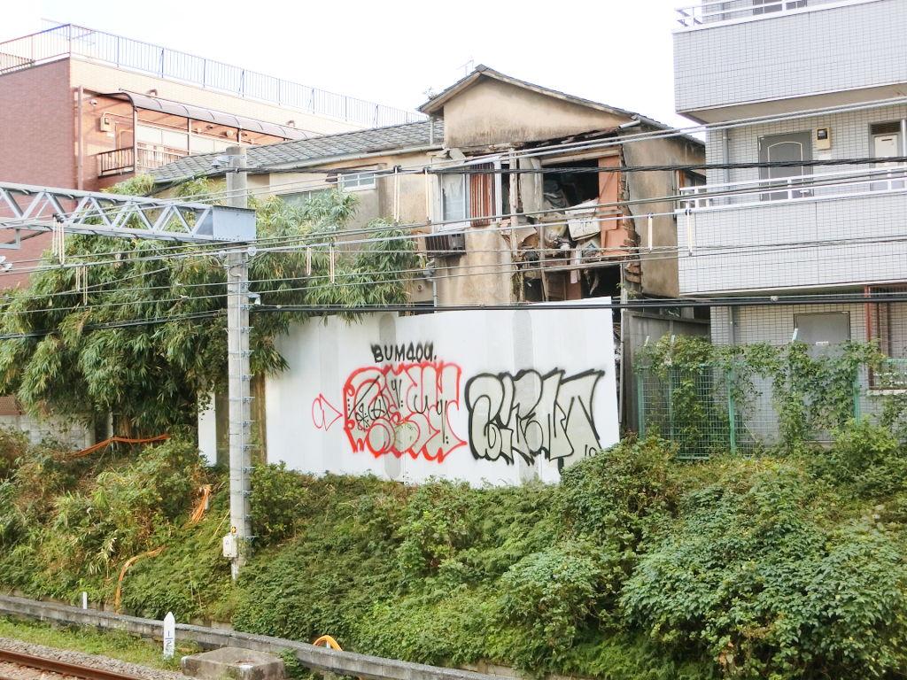 新井薬師前・崩壊アパート2019秋-2505