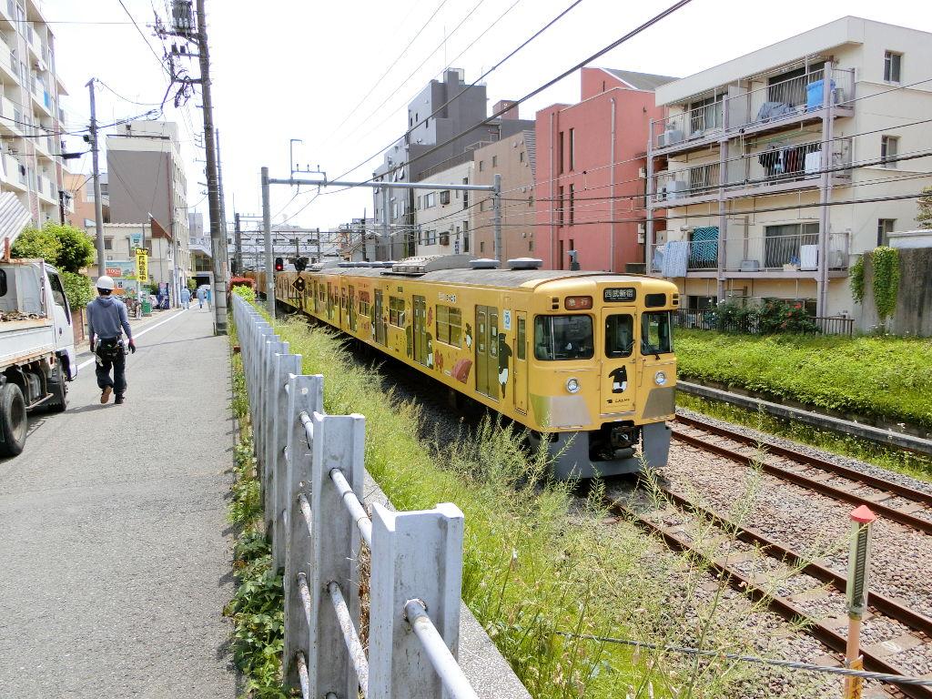 西武新宿線新井薬師前駅2018春-8103