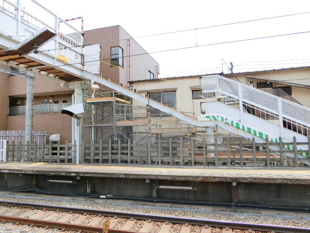 西武新宿線新井薬師前駅2018春-8117