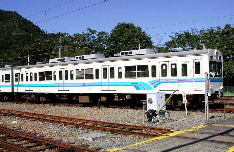 秩父鉄道1000系・2007-1002