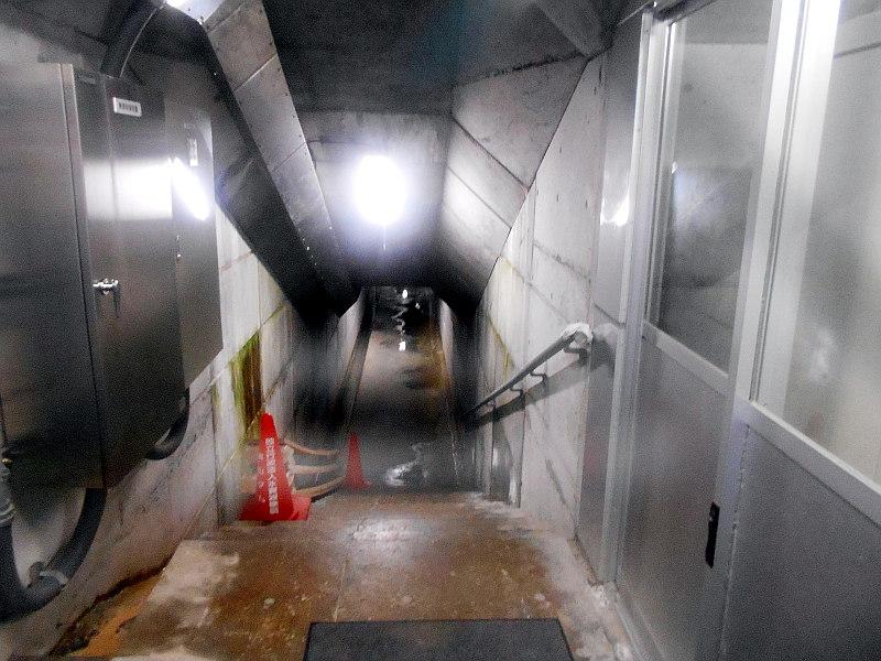 秩父・浦山ダム2016その2・ダムの内部を探検-9633