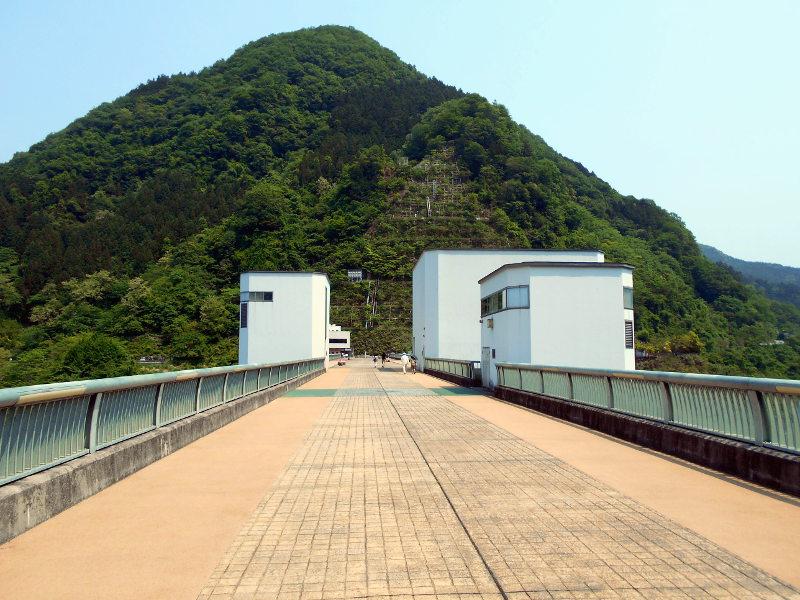 秩父・浦山ダム2016その3・ダムのてっぺんを探検-9702
