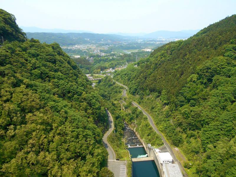 秩父・浦山ダム2016その3・ダムのてっぺんを探検-9705
