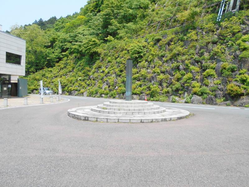 秩父・浦山ダム2016その3・ダムのてっぺんを探検-9713