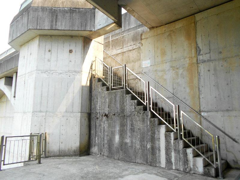 秩父・浦山ダム2016その4・ダムの階段との戦い-9801
