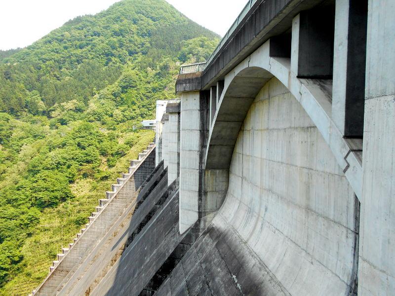 秩父・浦山ダム2016その4・ダムの階段との戦い-9802