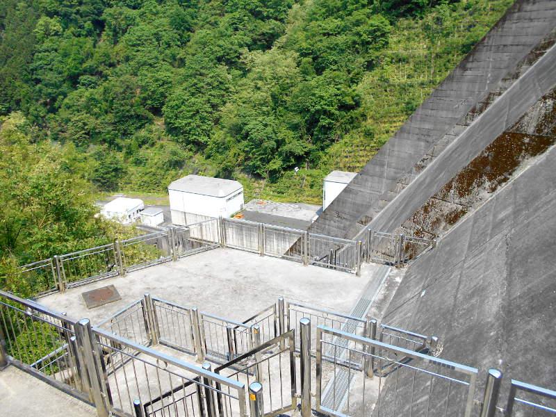 秩父・浦山ダム2016その4・ダムの階段との戦い-9812