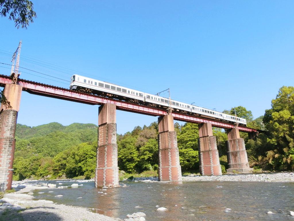 秩父鉄道の貨車「ヲキ」を楽しむ・その5上長瀞駅と荒川橋梁2018春-9541