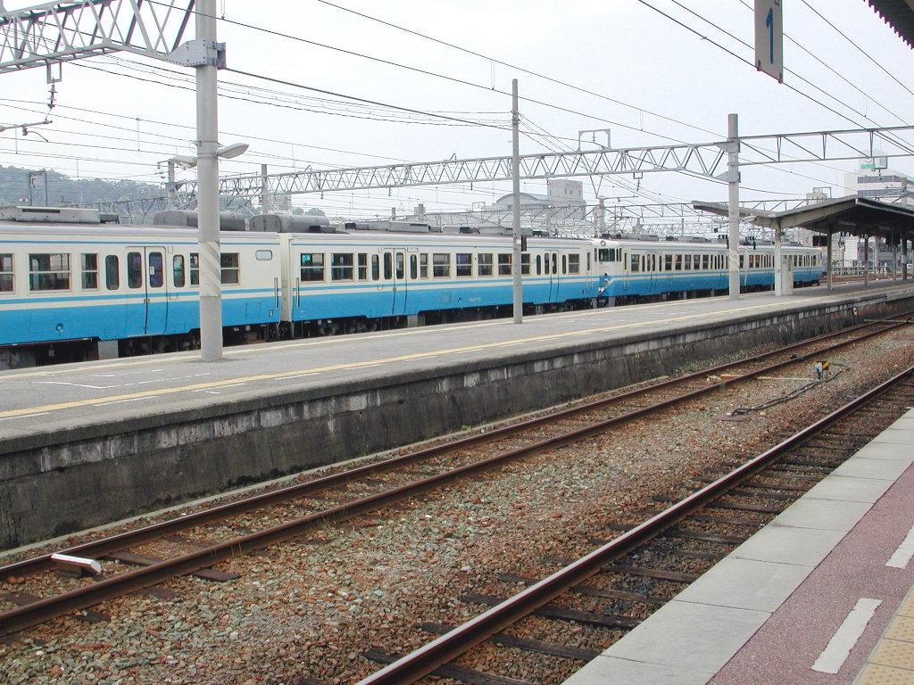 愛媛・松山駅より2006-4304
