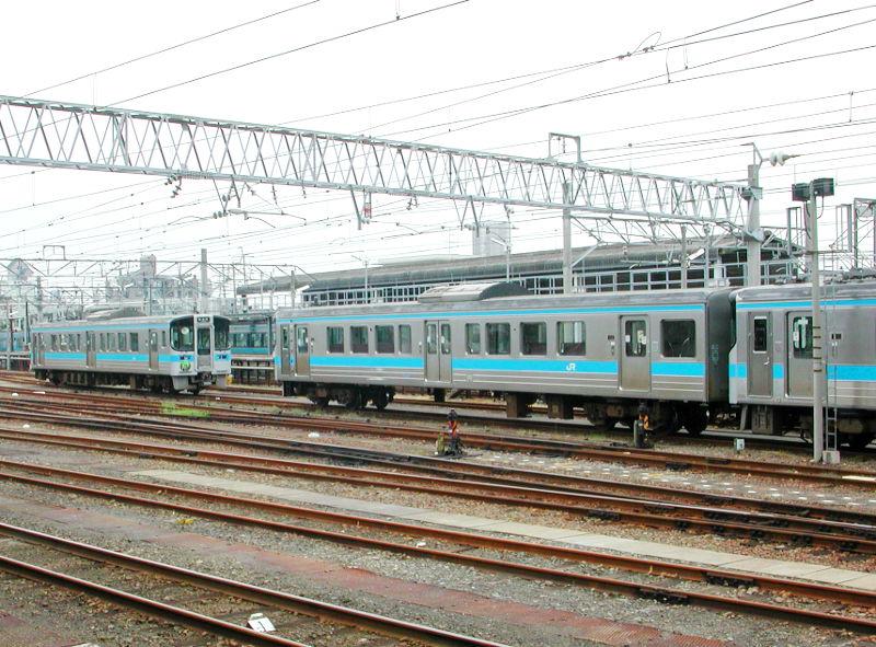 愛媛・松山駅より2006-4310