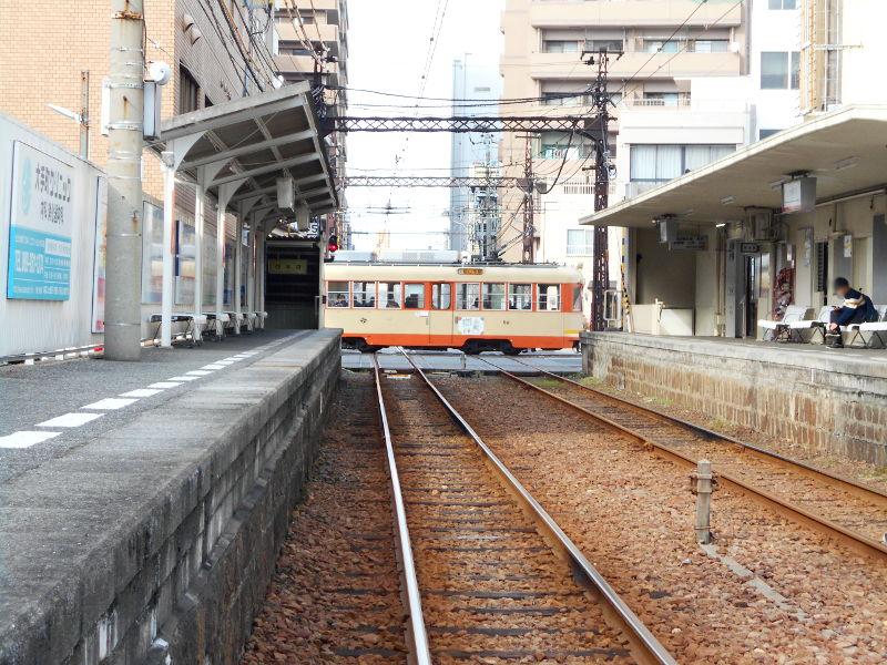 行くぞ!松山2016冬その17・市駅から松山駅へ(大手町駅の平面交差)-8727
