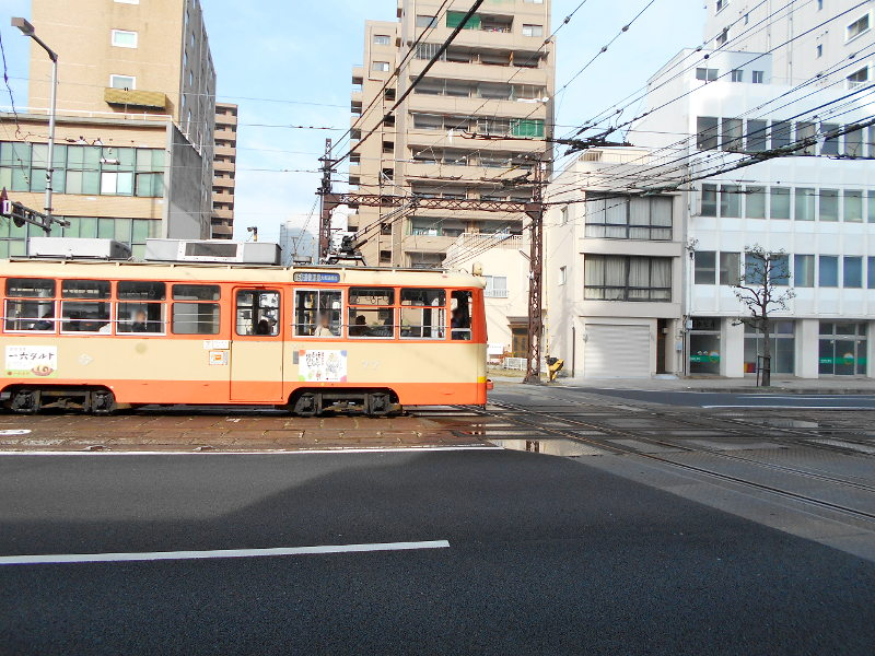 行くぞ!松山2016冬その17・市駅から松山駅へ(大手町駅の平面交差)-8735