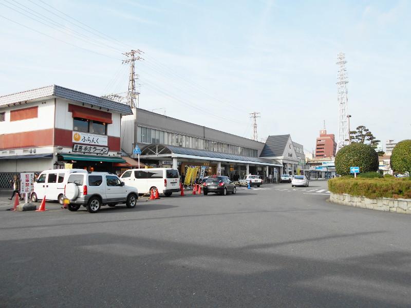 行くぞ!松山2016冬その18・松山駅のコンテナと気動車-8824