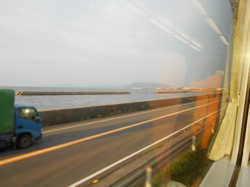 行くぞ!松山2016冬その19・いしづち22号で夕景を観ながら高松へ-8928