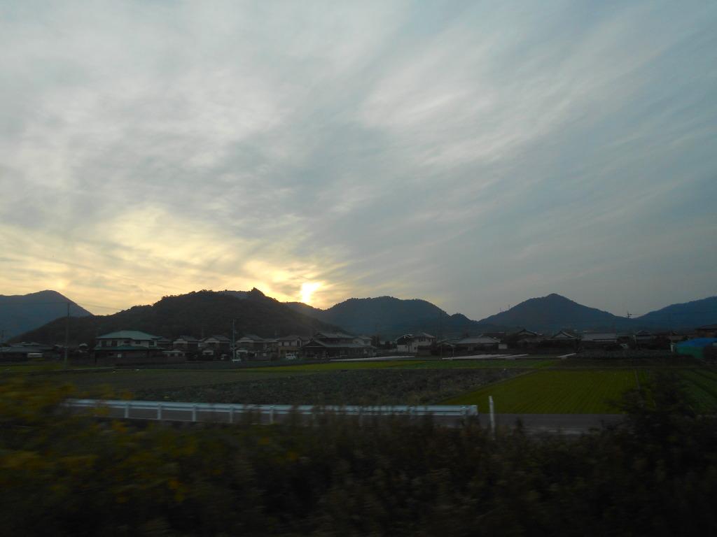 行くぞ!松山2016冬その19・いしづち22号で夕景を観ながら高松へ-8929