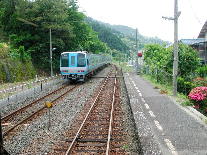 愛媛・八幡浜から松山へ2006-4108