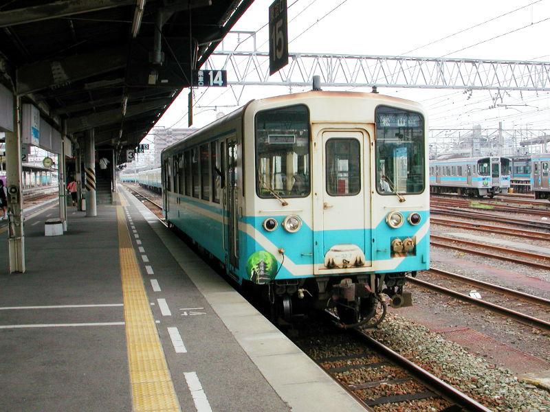 愛媛・八幡浜から松山へ2006-4110