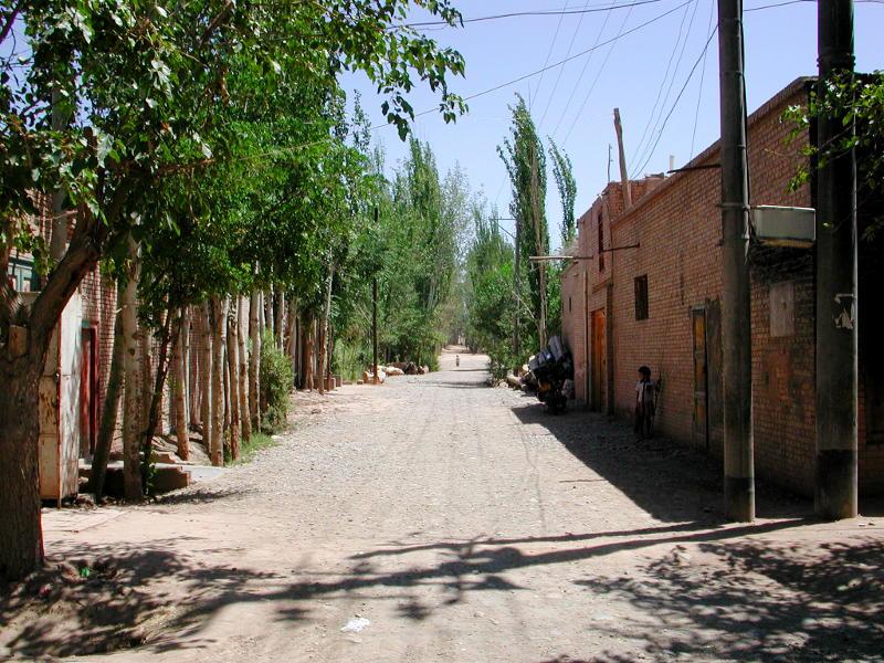 シルクロード一人旅「我的長征2006」その9・カシュガル・香妃墓と並木道-0929