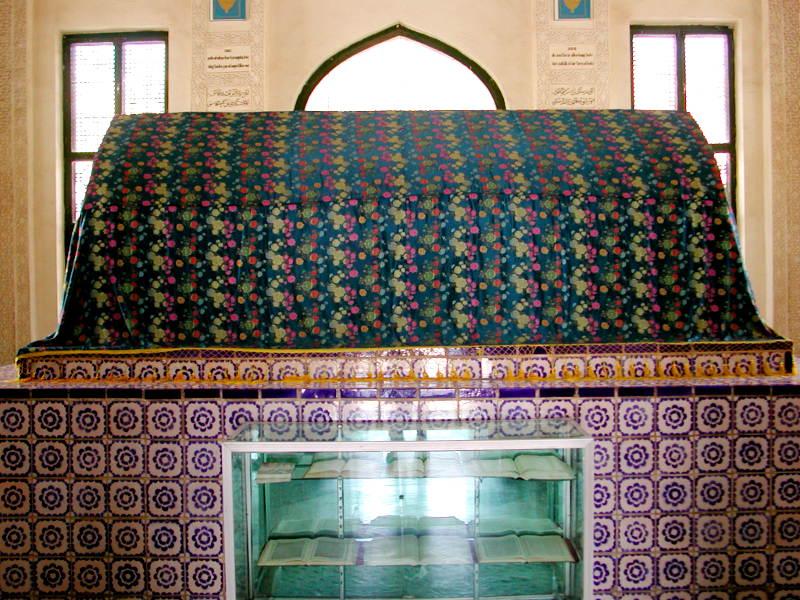 シルクロード一人旅「我的長征2006」その11・カシュガル・ユスフ-ハズ-ジャジェブ墓-1120