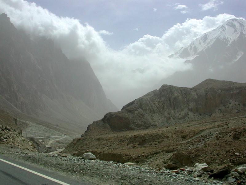 シルクロード一人旅「我的長征2006」その16・ブルンクル湖と絶景-1604