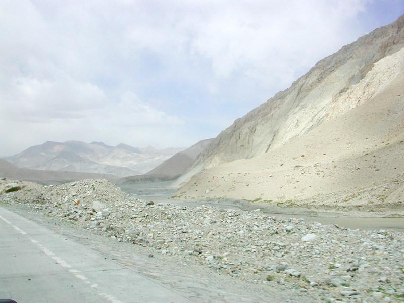 シルクロード一人旅「我的長征2006」その16・ブルンクル湖と絶景-1610