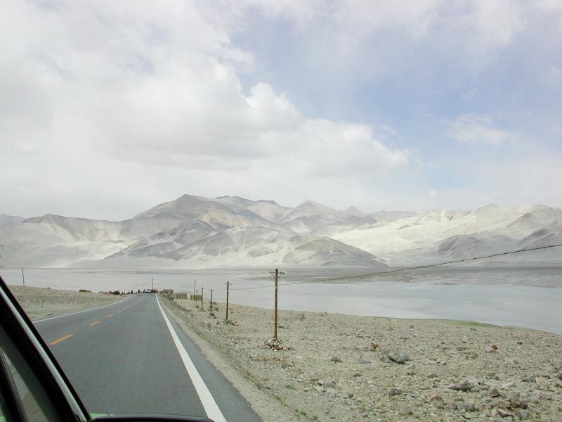 シルクロード一人旅「我的長征2006」その16・ブルンクル湖と絶景-1615