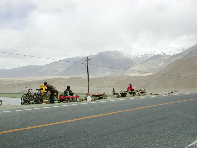シルクロード一人旅「我的長征2006」その16・ブルンクル湖と絶景-1624