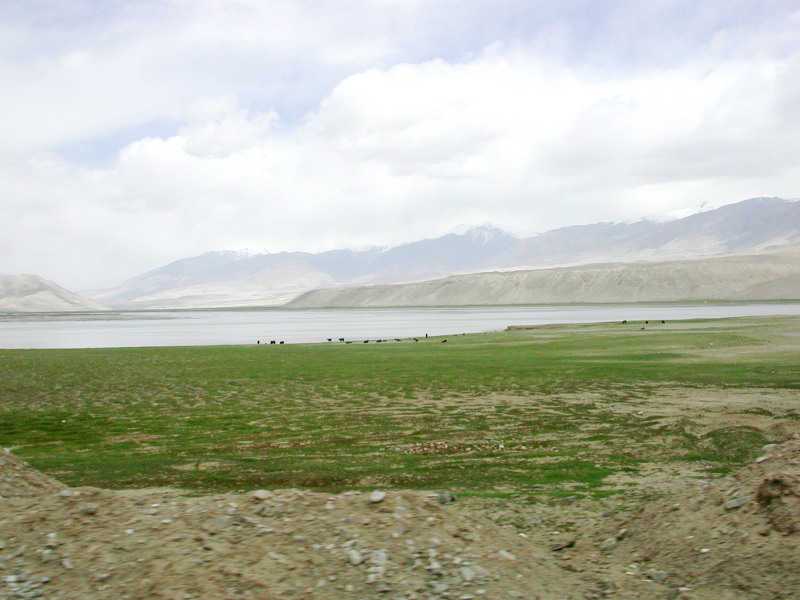 シルクロード一人旅「我的長征2006」その16・ブルンクル湖と絶景-1625