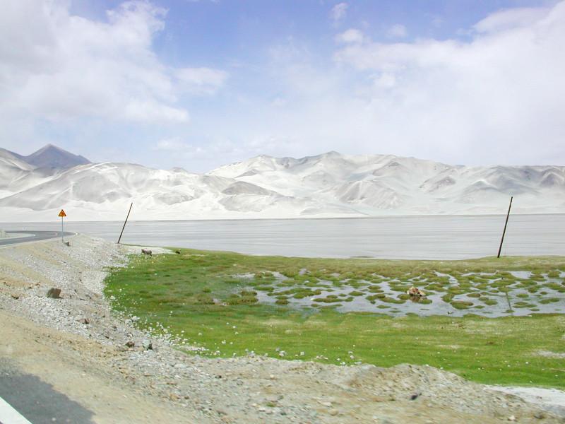 シルクロード一人旅「我的長征2006」その16・ブルンクル湖と絶景-1627