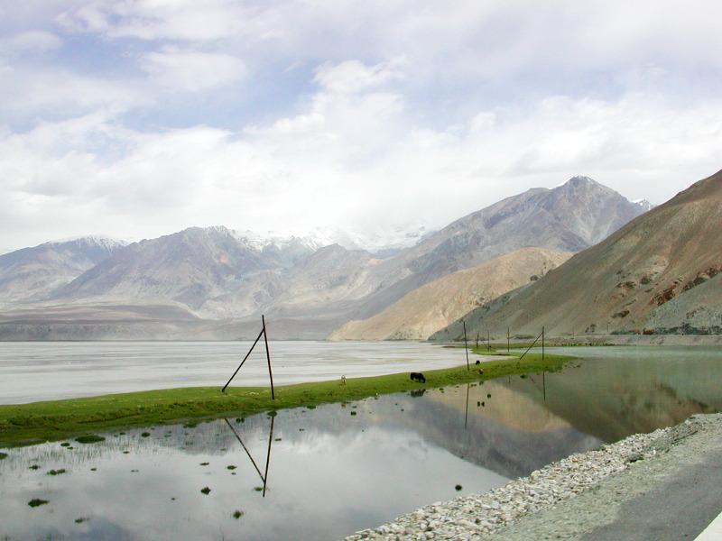 シルクロード一人旅「我的長征2006」その16・ブルンクル湖と絶景-1630