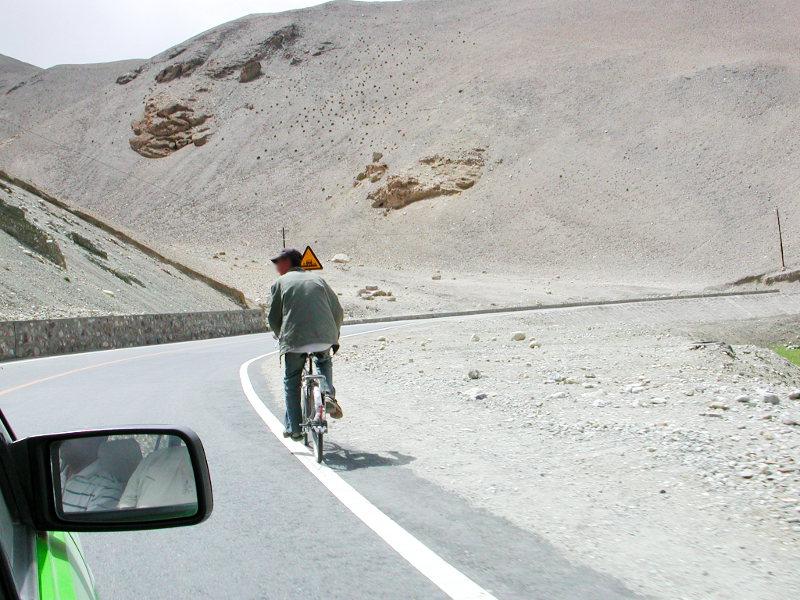 シルクロード一人旅「我的長征2006」その16・ブルンクル湖と絶景-1631