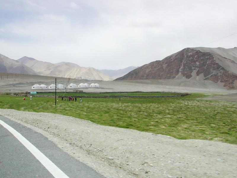 シルクロード一人旅「我的長征2006」その16・ブルンクル湖と絶景-1633