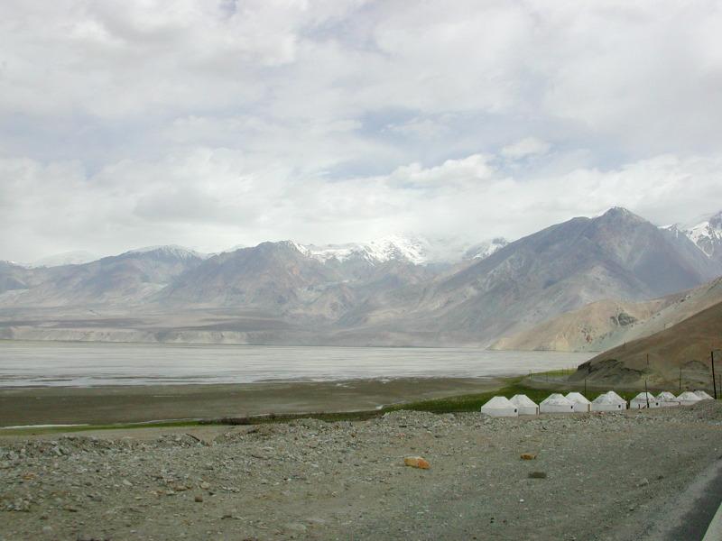シルクロード一人旅「我的長征2006」その16・ブルンクル湖と絶景-1638