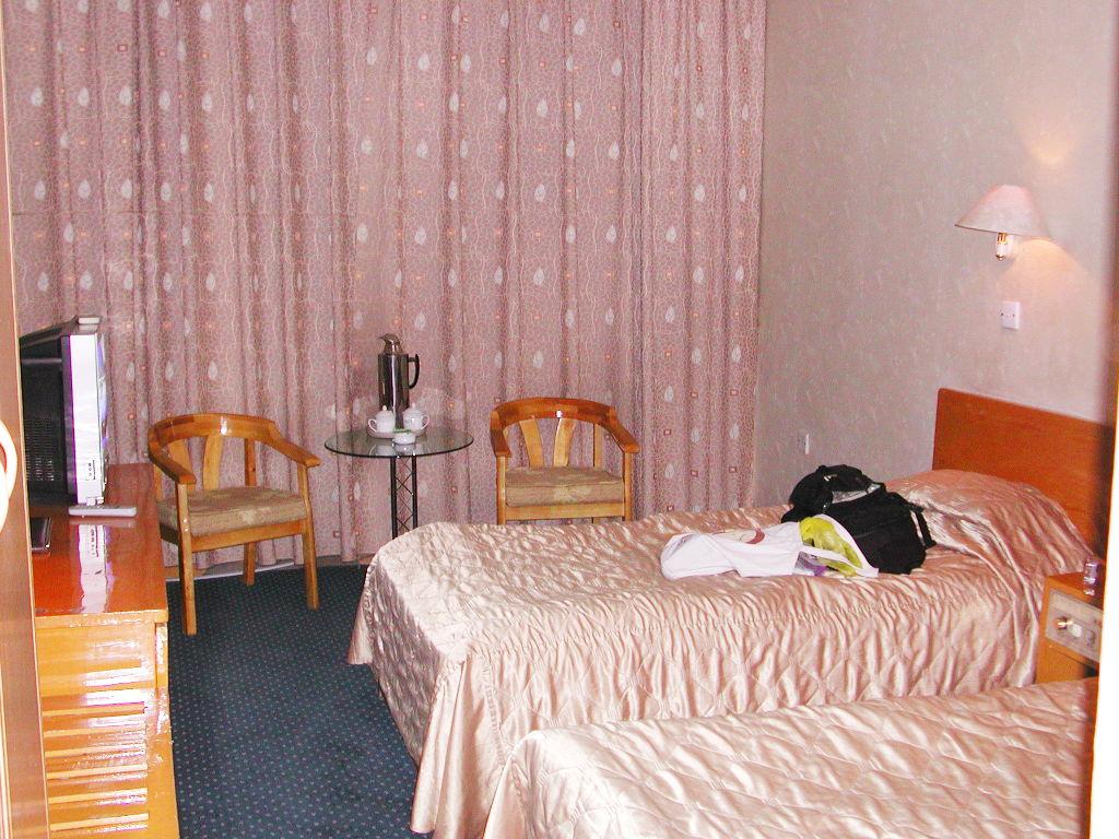 シルクロード一人旅「我的長征2006」その19・カシュガル・チニワク賓館でまったり-1904