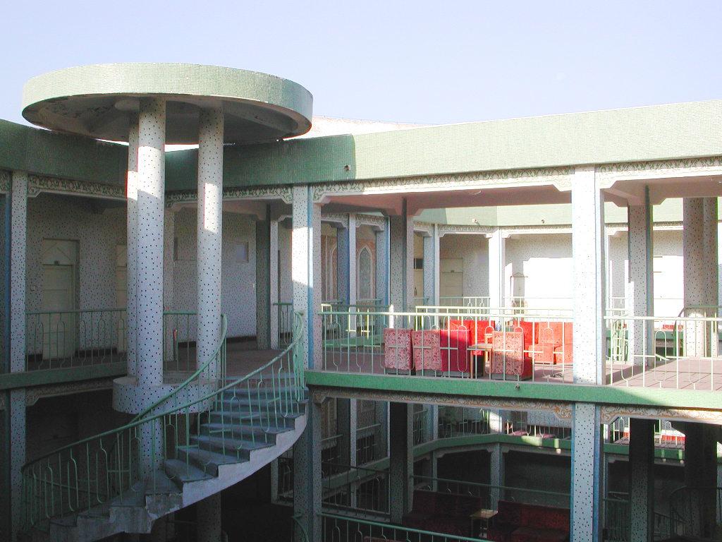 シルクロード一人旅「我的長征2006」その20・カシュガル・駅と寝台列車-2001