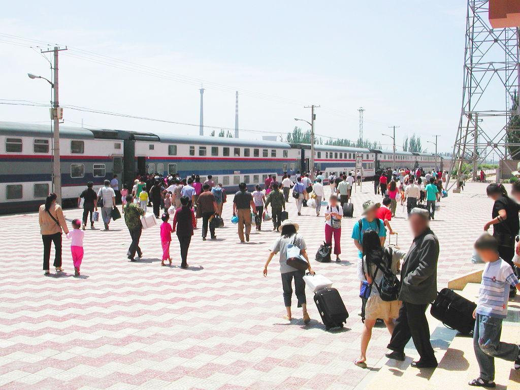 シルクロード一人旅「我的長征2006」その20・カシュガル・駅と寝台列車-2019