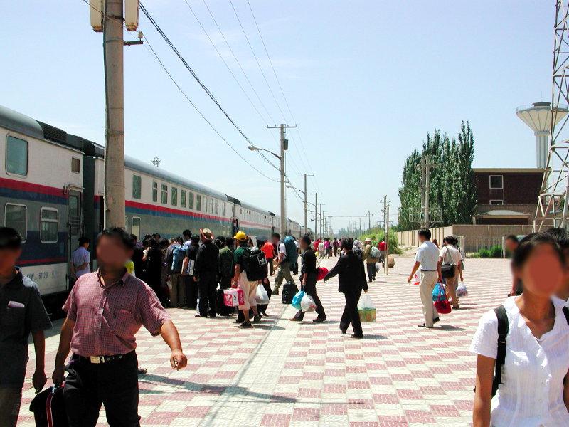 シルクロード一人旅「我的長征2006」その20・カシュガル・駅と寝台列車-2022