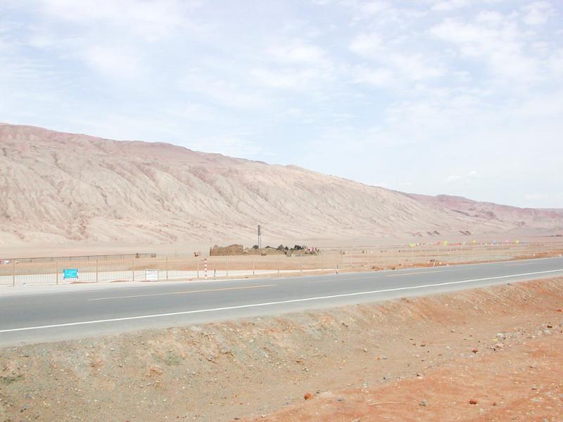 シルクロード一人旅「我的長征2006」その25・トルファン・火焔山-2516