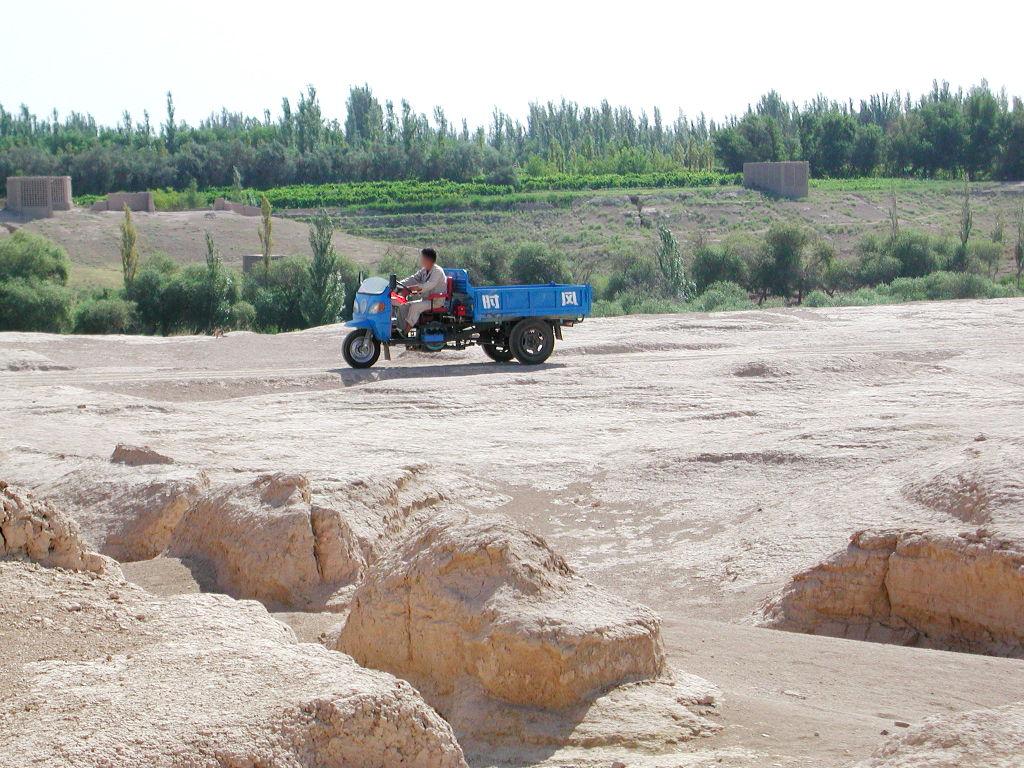 シルクロード一人旅「我的長征2006」その33・トルファン・交河故城-3322