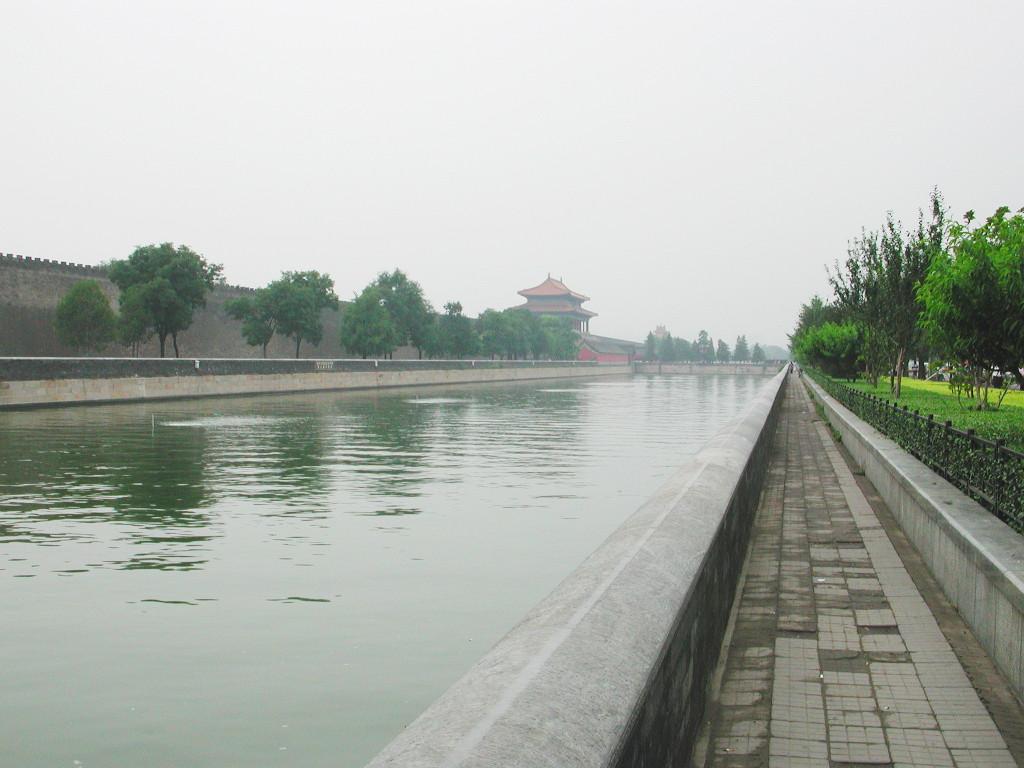 シルクロード一人旅「我的長征2006」その44・北京・故宮の周りを歩く-4411