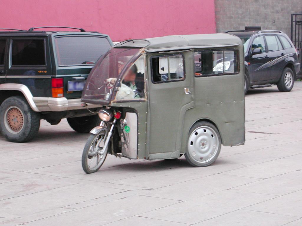シルクロード一人旅「我的長征2006」その44・北京・故宮の周りを歩く-4417