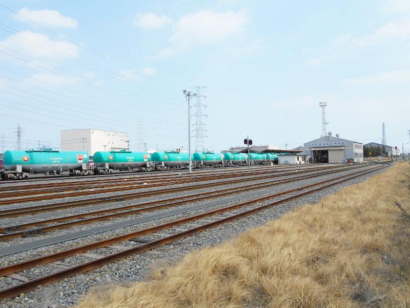 仙台埠頭駅とレール運搬列車2017春-7201