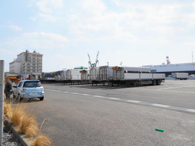 仙台埠頭駅とレール運搬列車2017春-7210