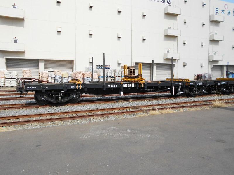 仙台埠頭駅とレール運搬列車2017春-7214