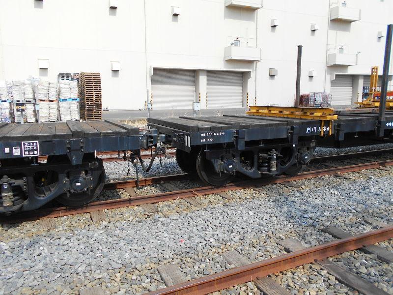 仙台埠頭駅とレール運搬列車2017春-7218