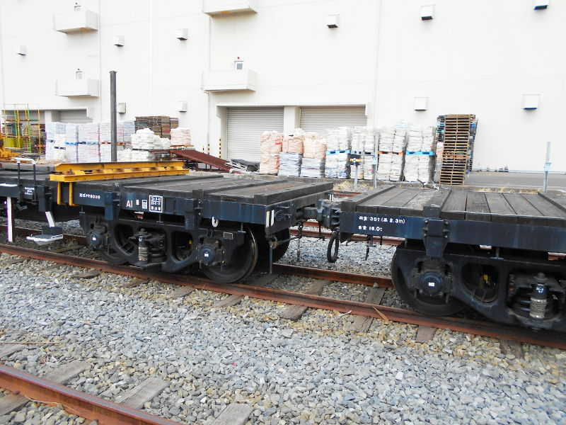 仙台埠頭駅とレール運搬列車2017春-7219
