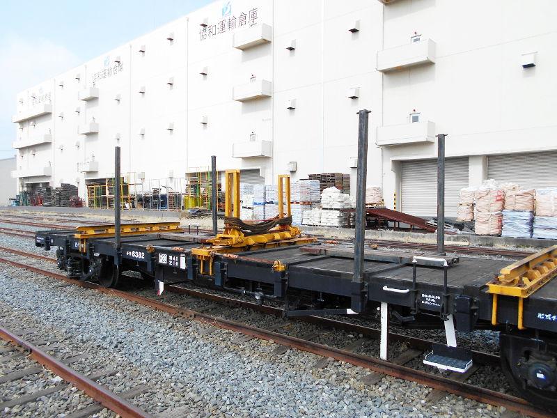 仙台埠頭駅とレール運搬列車2017春-7221