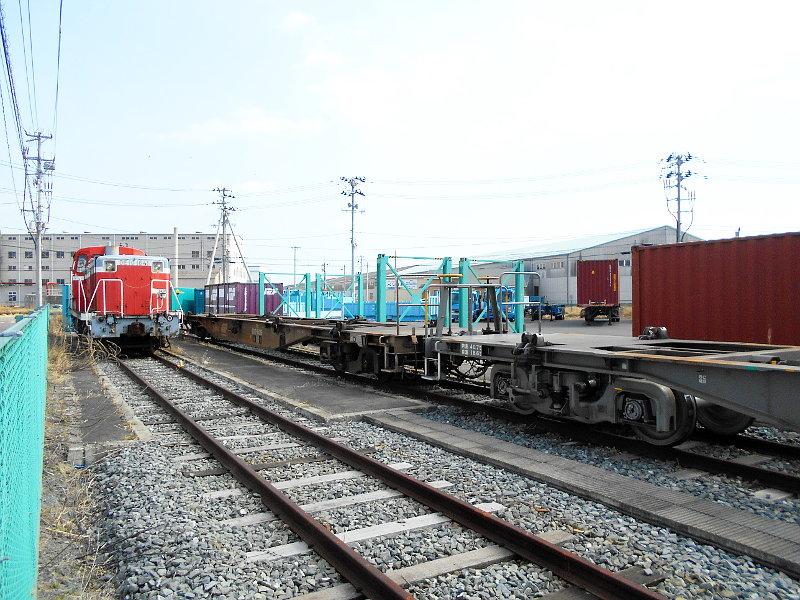 仙台港駅とコンテナ列車2017春その2-7401